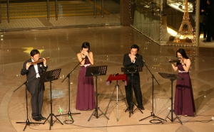 X'mas performance at Harbour City in 2007