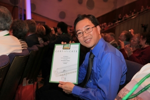 Lung was awarded the certificate of Excellent in the Category of Solo diatonic Tremolo