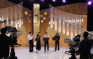 Performed in Cultural Plaza Programme boardcast on TVB Jade on 19 June 2011