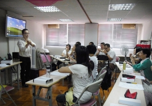 Held a Harmonica Workshop for HK Clerical & Professional Employees General Union in Aug 2011